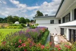 Gartenfotografie Garten Sitzgelegheit Terrasse