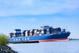 Containerschiff, Elbe, Altes Land
